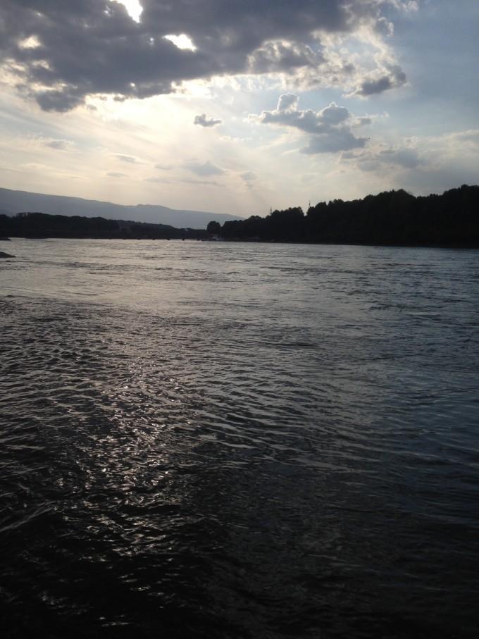 在前往贵德县住宿的时候,我们途径黄河风景区.