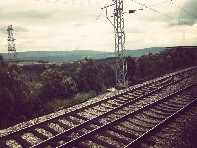 火车道风景手绘