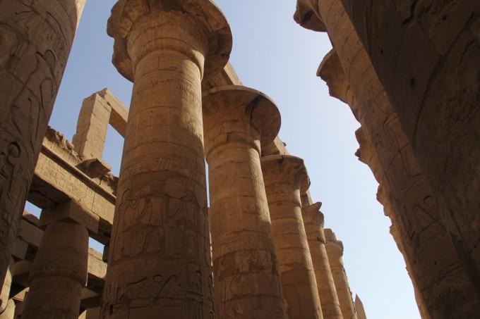 卢克索,埃及中南部城市,坐落在开罗以南的上埃及尼罗河畔,卢克索古迹