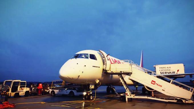 伦敦希思罗国际机场和巴黎夏尔·戴高乐国际机场的